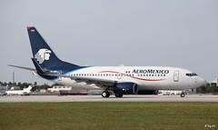 Boeing 737-700 (EI-DRD) Aero Mexico (Mountvic Holsteins) Tags: boeing 737700 eidrd aero mexico mia miami international airport