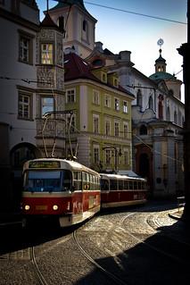 Tranvia i joc de llums / A play of ligh & tramways