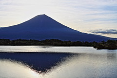Mt. Fuji of the morning glow (ULTRA Tama) Tags: mt fuji morning glow mtfuji mtfujiwhc japan shizuoka todays dayliphoto instadaily photogenic igjapan loversnippon worldcaptures flickrfriday welovef august 2018 worldheritage tabijyo genicmag retripjapan retripshizuoka explorejapan traveljapan radiof artofimages ftimes genictravel geniclife genicblue genicjapan genicphoto genictown genicsummer tabijyosummer tabijyomaptwn tabijyotravel
