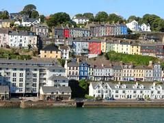 La ville d'An Cobh, dans la péripéhrie de Cork (Irlande) (bobroy20) Tags: irlande eire ireland ancobh cork mer sea ville city maison architecture europe europa