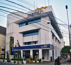 Bank Mandiri Braga (Ya, saya inBaliTimur (using album)) Tags: bandung westjava jawabarat architecture building gedung arsitektur office kantor