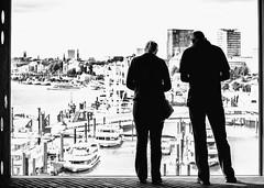 Blick aus der Elphi (tan.ja1212) Tags: hamburgerhafen hamburg boote schiffe schwarzweis fenster frau mann street elbe wasser ausblick ship blackandwhite window woman man water view