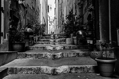 Marseille, le Panier, 2 (Patrick.Raymond (4M views)) Tags: 13 marseille le panier street photo bw nikon provence