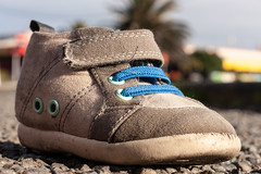 20180823_0113_40D-40 Little lost Shoe #1 (235/365) (johnstewartnz) Tags: canon40d canonapsc canoneos newbrighton childsshoe lostshoe 40d 40mm 40mmstm apsc canon eos shoe