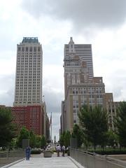 Tulsa (32) (pensivelaw1) Tags: tulsa oklahoma skyscrapers fountains statues mosaic arkansasriver