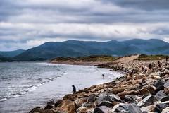 rossbeigh beach (-liyen-) Tags: rossbeighbeach ringofkerry ireland summer seascape scape rocks mountains fujixt2travelphotography challengeyouwinner