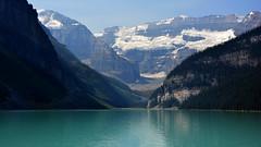 Colores del Lago Louise (Miradortigre) Tags: lake alberta canada louise landscape paisaje slope woods rock blue lagoon snow water clean air канада 加拿大 קנדה カナダ kanada
