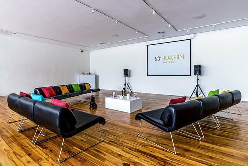 Galerie - Casual Meeting