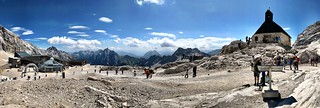 A glacier panorama at the Zugspitzplatt