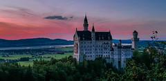 Neuschwanstein Castle (achim-51) Tags: castle schlos neuschwanstein himmel turm landschaft baum berg gebäude sonnenuntergang allgäu bayern germany de grün schlosneuschwanstein neuschwansteincastle