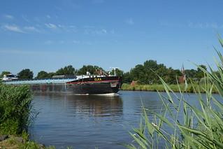 Eemskanal, Binnenschiff Elka bei Woltersum
