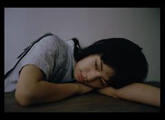 (lisztchang.com) Tags: leica 50mm summicron portra 400 kodak portra400 film room portrait dark lowlight girl m2
