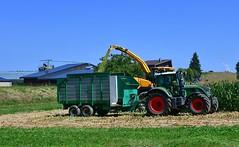 Récolte du maïs (Diegojack) Tags: vaud suisse cossonay d500 nikonpassion nikon campagne travaux champs tracteurs machines maïs récolte