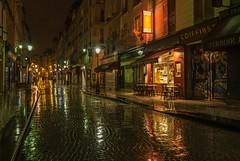 Rue Montorgueil (Giloustrat) Tags: paris montorgueil night reflet pentax k3 pentaxflickraward pentaxart composition