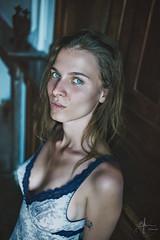 Marie-Lou (C.Syl20) Tags: aveyron marielou portrait saintgéniezdolt syl20photographeaveyron beauty belle bleueyes blonde decolleté femme jolie nikkor352ais nuisette oldhouse portraiture viellemaison vieuxmur yeuxbleus