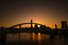 31/100X: Sunrise over the city (jenniferdudley) Tags: neutraldensityfilter filter exposure longexpo longexposure nikond850 nikon urban queensland merivale bridge skyscrapers skyscraper vista view cityscape city brisbane dawn sun sunrise