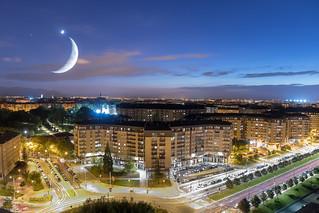 La luna sobre Vitoria