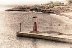 Prohibido aparcar (candi...) Tags: faro playa playadelestany agua baño personas puerto placa arena airelibre cala sonya77 montaña