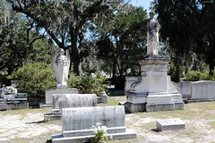 Monuments by Walz (zeesstof) Tags: zeesstof vacation photoassignment georgia savannah bonaventurecemetary graveyard