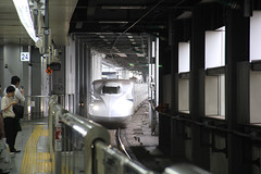JR Central N700 EMU , Shinagawa train station 07.09.2018 (szogun000) Tags: tokyo 東京 tōkyō japan nippon nihon 日本 japonia railroad railway rail station shinagawa ezt emu set electric n700 n700series jrcentral train pociąg поезд treno tren trem passenger express superexpress kodama 639 tokaidoshinkansen keihintōhokuline yamanoteline tōkaidōmainline uenotokyoline yokosukaline tokyometropolis 東京都 tōkyōto canon canoneos550d canonefs18135mmf3556is