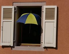 Canicule (blogspfastatt (+4.000.000 views)) Tags: blogspfastatt canicule heatwave parapluie couleur colour