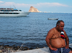 Another day of summer 1 (Giovamilo_90) Tags: street streetphotography streetph streetphoto streetview sea streetphotographer people boat summer color
