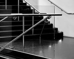 Stair Rail (pjpink) Tags: blackandwhite bw monochrome vmfa virginiamuseumoffinearts virginiamuseum museum rva richmond virginia july 2018 summer pjpink 2catswithcameras