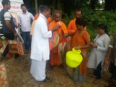 "Kerala Flood Relief (21) <a style=""margin-left:10px; font-size:0.8em;"" href=""http://www.flickr.com/photos/47844184@N02/44251949651/"" target=""_blank"">@flickr</a>"