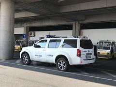 Border Patrol / Frontier Police - Nissan Pathfinder - Faro Airport, Portugal (firehouse.ie) Tags: sef faroairport faro coche car cops ice borderpatrol frontierpolice portugal policia police suv pathfinder nissan