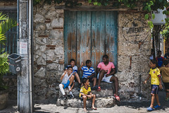 The elder brother (Filippo Manaresi) Tags: cartagena colombia getsemaní kids children streetphotography latinamerica southamerica