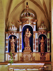 Église Saint-Fleuret d'Estaing (doumé piazzolli) Tags: fz200 patrimoine france architecture bâtiment statue aveyron languedoc église saintfleuret eglisesaintfleuret estaing