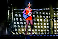 🍊 Annie Clark, St. Vincent (Joshua Mellin) Tags: stvincent annieclark ernieball customized signature guitar masseduction fearthefuture iamalotlikeyou iamalotlikeyoutour fearthefuturetour 2018 grandoozy denver colorado festival music live concert album tour tickets dates photo picture photos annie clark indie goddess songwriter female powerful amazing glowing colorful stage production lighting bright smile rock rockstar summer fest icon iconic ideal perfect unique bold woman singersongwriter writer actor director instagram twitter joshuamellin beautiful dress orange color light staging dream barbie pink lyrics davidbowie bowie hair rollingstone fashion pillspillspills