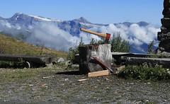 à la cabane St-Laurent (bulbocode909) Tags: valais suisse nendaz cabanestlaurent cabanes montagnes nature nuages paysages haches bois vert bleu neige bancs fleurs rouge groupenuagesetciel