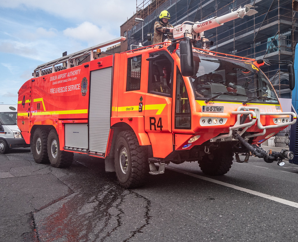 RESCUE 4 FIRE ENGINE USED IN DUBLIN AIRPORT [MANUFACTURED BY SIDES]--143781