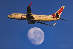 VH-YIH Virgin Australia Boeing 737-8FE 'Hastings Point' crosses over the Waning Gibbous Moon (91.9%). (ePixel Aerospace) Tags: vhyih virginaustralia boeing7378fe boeing boeing737 hastingspoint waninggibbousmoon moon aircraft brisbane australia flight va151