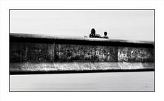 Femmes de légendes / Legendary Woman ... (michel di Méglio) Tags: pont passerelle highkey marseille mucem bw monochrome