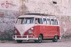 Deb's Bulli (Eric Arnold Photography) Tags: vw volkswagen deluxe kombi transporter bulli bus van splot splotty splitwindow roofrack red white brick wall ogden ut utah photoshoot brm brms