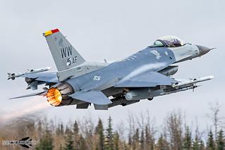 F-16C 92-3884 WW 35th FW / 13th FS