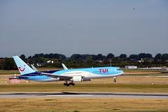 DSC00284 (flyosna) Tags: airport tui boeing dus flughafen planes planepics plane planespotting planephoto holidays flugzeugbilder