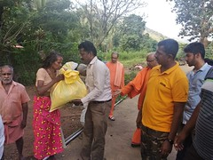 """Kerala Flood Relief Work by Ramakrishna Mission, Coimbatore <a style=""""margin-left:10px; font-size:0.8em;"""" href=""""http://www.flickr.com/photos/47844184@N02/42700557540/"""" target=""""_blank"""">@flickr</a>"""
