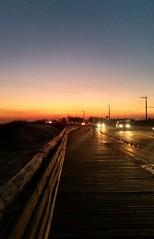 Esse céu.  Essa energia. (Gylzinha (=) Tags: sunset sun energy pordosol energia yellow praia sol luz entardecer