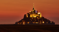 Le Mont Saint Michel / Normandie / France (flowerikka) Tags: abbey abtei eveninglighting eveningmood france frankreich kloster light monastery montstmichel normandie regionmanche rock sky sunset unescoworldheritagesite