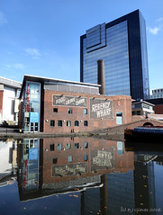 Regency Wharf (ExeDave) Tags: p1150807 worcesterbirmingham canal bcn mainline gasstreet basin brindleyplace conventionquarter birmingham west midlands england gb uk waterway landscape waterscape brick building architecture city urban cityscape september 2018 hyatt regency skyscraper