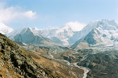 12 (Benrightpaul) Tags: nepal 35mm af35ml