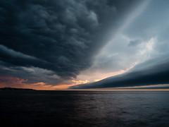 9.18.2018 Storm brewing (Kristine Runner) Tags: sunrise milwaukeelakefront redlighthouse storm
