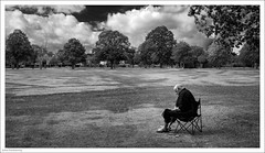 A Peaceful Read 262/365 (John Penberthy ARPS) Tags: hamcommon 3652018 365the2018edition nikon monochrome reading people blackandwhite mono man 19sep18 day262365 d750 johnpenberthy