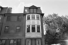 Philadelphia House (Tom Ipri) Tags: houses blackandwhite architecture lensflare rolleirpx400blackandwhite buildings canoneosrebel2000 filmphotography 35mm shotonfilm philadelphia