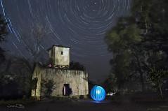 El Palomar (José Luis Pérez Navarro) Tags: night stars circumpolar palomar nocturna noche trees lightpainting airelibre joseluisperez marmolejo jaen andalucia spain españa blacky2007 fotografianocturna sky cielo nature natura naturaleza balneariodemarmolejo rural arboles