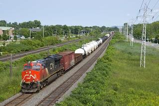 CN 3077 leading CN 377