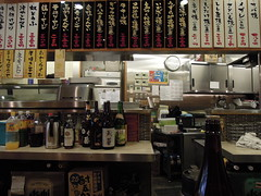 Kitchen (kevincrumbs) Tags: tokyo 東京 taito 台東 taitoku 台東区 ueno 上野 daitouryou 大統領 もつ焼き大統領 restaurant レストラン izakaya 居酒屋